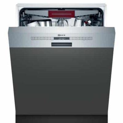 """Le lave-vaisselle avec tiroir à couverts offre une flexibilité pour le chargement de la vaisselle et une touche """"favourite"""" pour personnaliser vos réglages."""